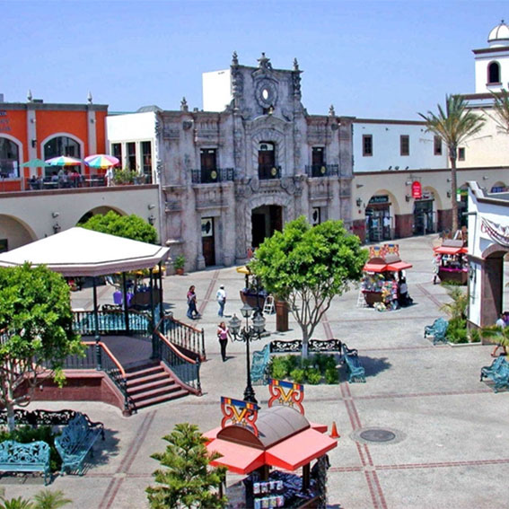 Exterior of Plaza Mexico shopping center